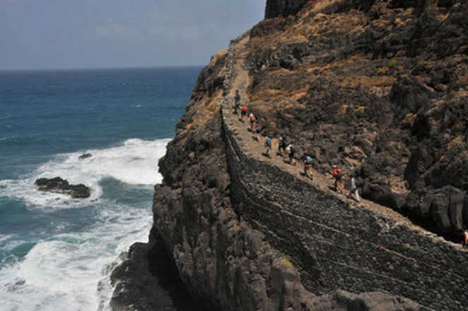 Hiking in Cabo Verde with Aluna voyages