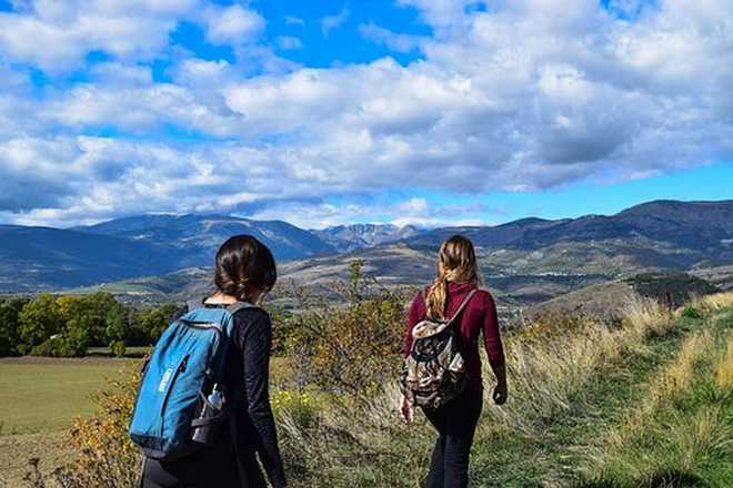 Hike in Auvergne with Aluna Voyages