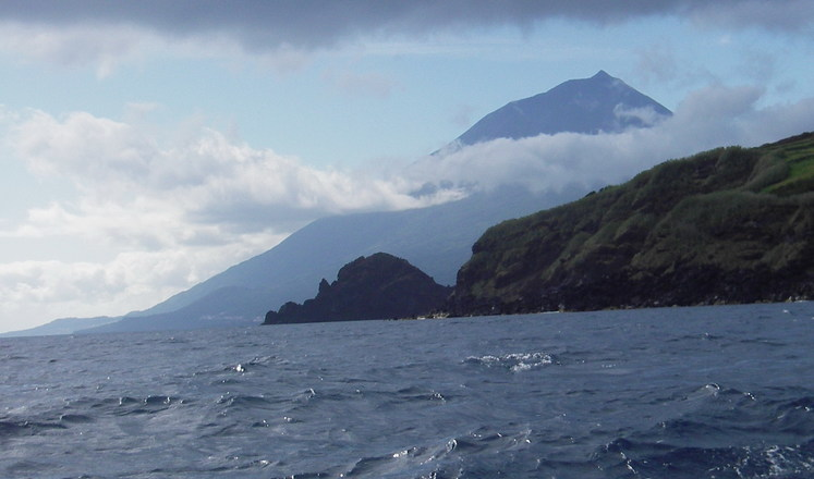 Hikes in the Azores with Aluna Voyages