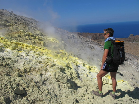 Hiking in the Aeolian Islands with Aluna Voyages