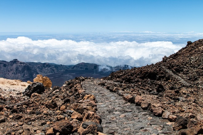 Hiking tour in Canary islands with Aluna Voyages