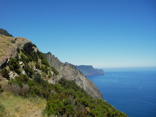 Self guided hiking in Madeira island with Aluna Voyages